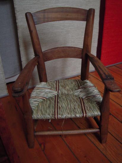 fauteuil enfant laîche et seigle de couleur